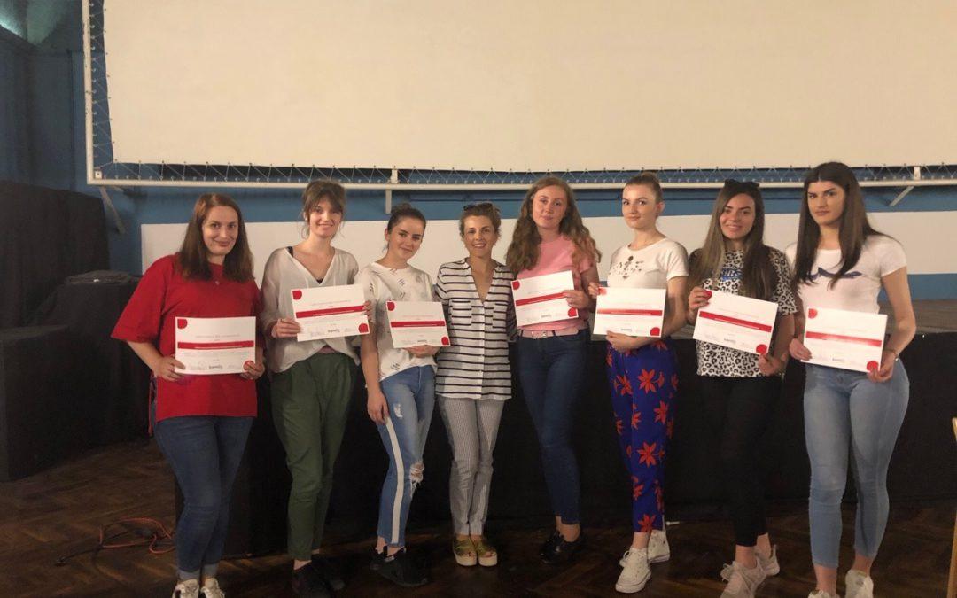 """""""Edukimi Mediatik"""" në Prizren: Rritja e vetëdijes për identifikimin, vlerësimin dhe analizimin e informatave"""